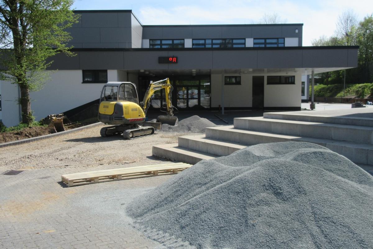 Neugestaltung Schulhof-1