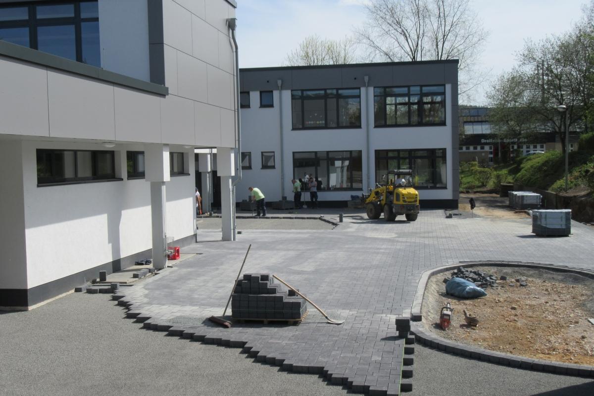 Neugestaltung Schulhof-2